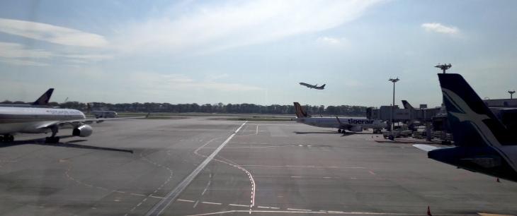 changi-t2-plane-takeoff